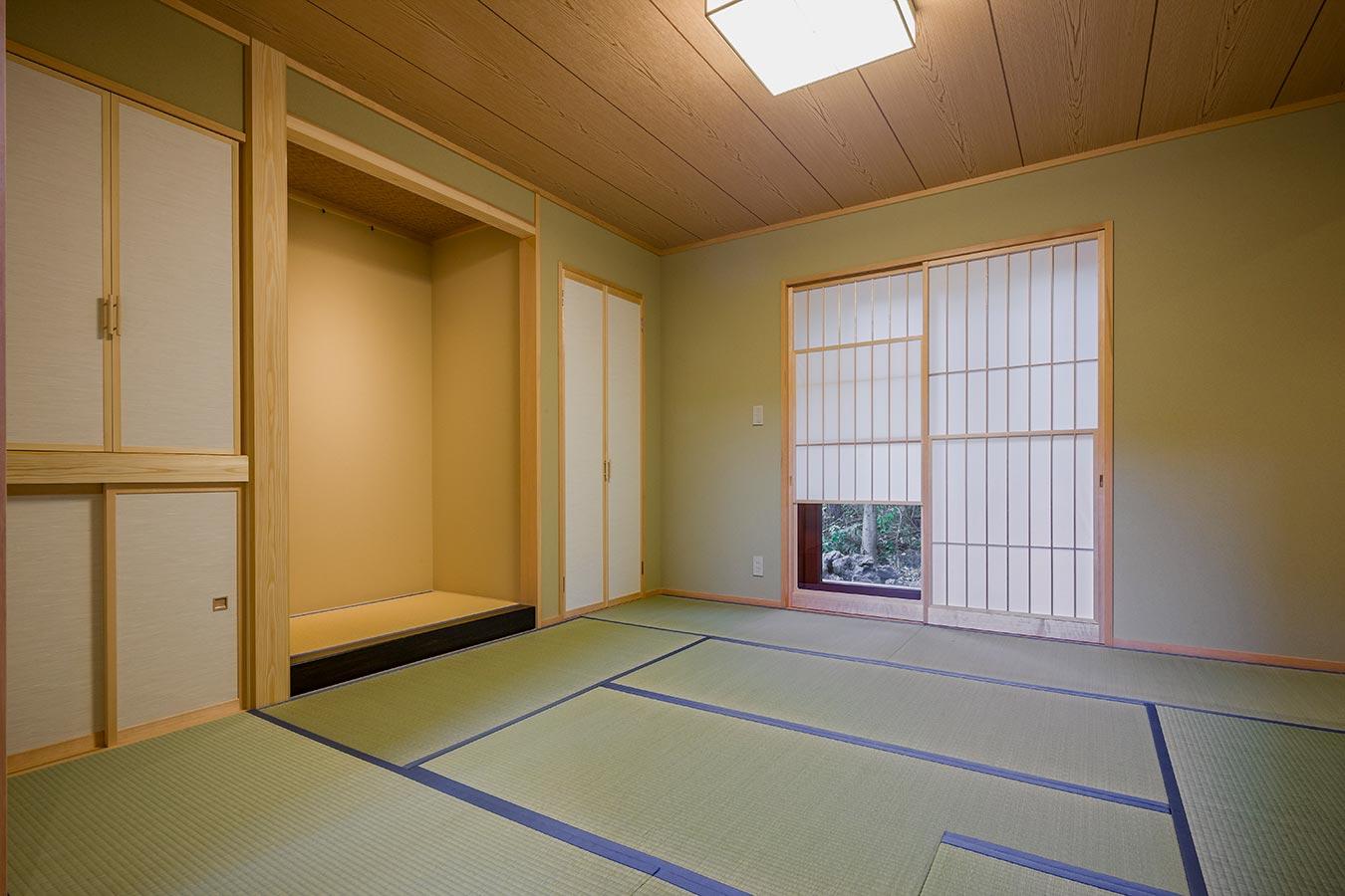 リビングの一角に本格的な和室をレイアウト